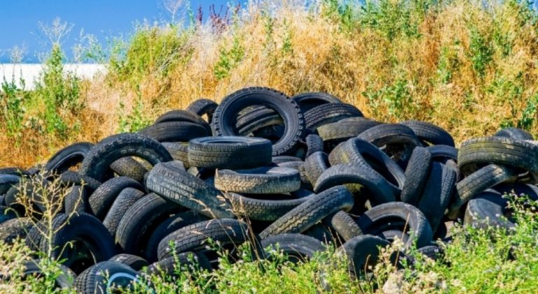 Tyre_regulations_could_pose_a_toxic_fire_risk_in_Queensland