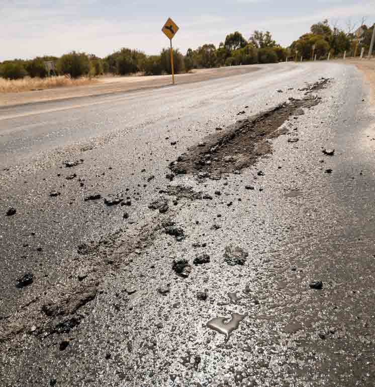 how-to-remove-queenslands-road-tar-from-your-tyres